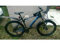 "Like new 2016 19.5"" Mountain bike plus extras"