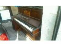 Free Old piano