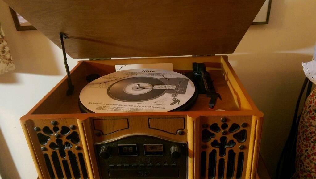 Vinyl Record/CD/Cassette Player/Radio