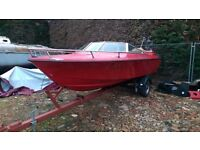 speedboat / powerboat 4cyl Mercruiser engine inboard on good boat road trailer CHEAP TO CLEAR