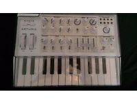 Arturia MicroBrute SE (White) Analog Monophonic Synth + dust cover