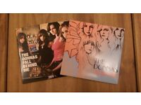 """The Donnas 'Fall Behind Me' & 'I Don't Want To Know' Coloured 7"""" Vinyl Singles"""