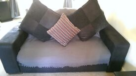 Settee for sale £400 good conditions