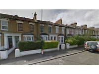 Brockley SE4. Large, Light & Modern 5 Bed Furnished House with Garden. Ideal for Students & Profs