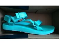 TEVA women's sandals size 5 USED