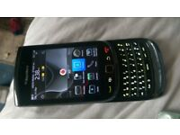 blackberry torch 9800 unlocked looks nearly new red and black