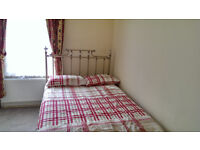 Single double room beautiful house, good transport links- All bills Inc.- Available NOW