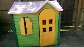 Playhouse. Little Tikes Country Cottege