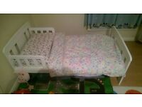 Junior toddler bed with mattress