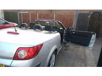 Nice Storning Beautiful Example Renault Megane with 1 year MOT and Good Tyres recently Services