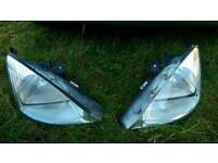 Ford Focus mk1 head lights