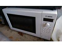Bosch HMT75M421B 800W Microwave White