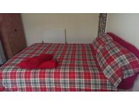 2 Large Double Rooms in Southville. Couples Welcome