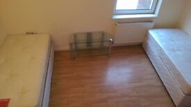 PERFECT CLEAN TWIN ROOM TO RENT IN ARCHWAY NEAR THE TUBE STATION GREAT AREA 76A