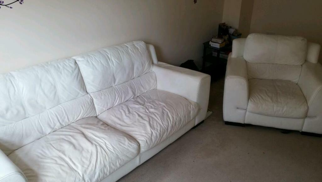 White Leather 3 Seater Chair In Swindon Wiltshire