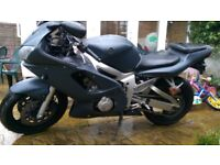 2001 Yamaha R6 carb model black low mileage long MOT and TAX OFFERS WELCOME