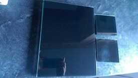 Set 4 table mats and 4 coasters black glass
