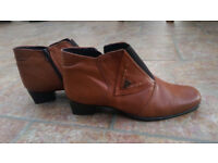 Ladies ankle boots size 8