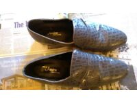 VGC: BEAUTIFUL GREY ALLIGATOR SKIN SHOES by ARISTON: SIZE 10; VERY GOOD CONDITION: MADE IN CYPRUS