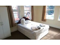 2x rooms available in 4 Bed house-share! Huge Rooms!! 2x Bathrooms! Sky TV! Sky WiFi! Bills inc