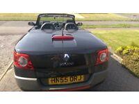Renault Megane 115 dynamique convertible in black