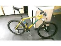 "Trek 8900 18"" hardtail mountain bike"