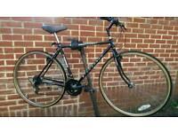 Hybrid Bike Townsend 700 Wheels( New Tyres )