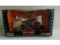 Harley Davidson Electra Glide 1968 Maisto model motorcycle