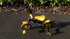 Kids first bike with detachable stabilers - £5