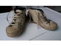 Rare junior Italian designer shoes - Unisex