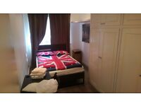 LOVELY BEAUTIFUL DOUBLE ROOM TO RENT IN CAMDEN TOWN CLOSE TO THE TUBE STATION 100C