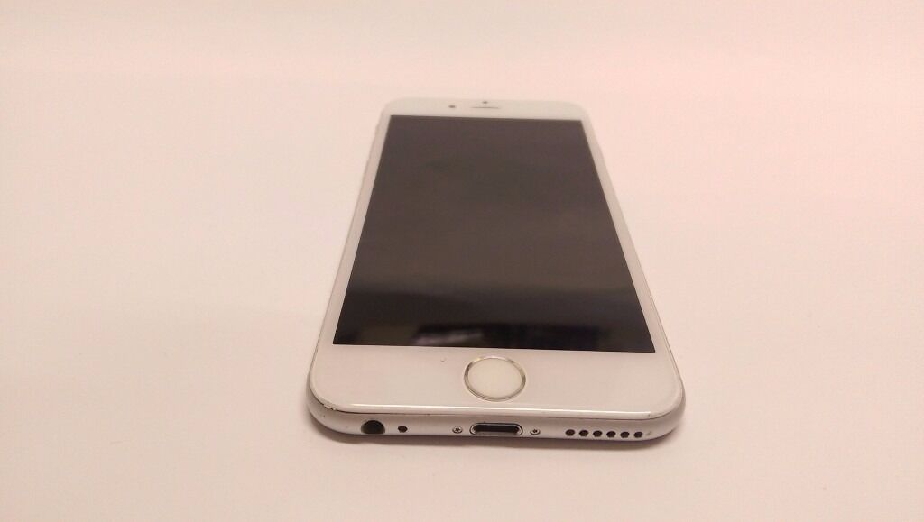Apple iPhone 6 16GB UNLOCKED Silver White Cheap Smartphone Mobile Phone ANY SIM FREEin Shepherds Bush, LondonGumtree - Apple iPhone 6 16GB Silver White Smartphone UNLOCKED TO ANY NETWORK Used phone with signs of wear and tear. Got some scratches on the sides and corners and especially around the edges. Some slight scratches on the back and one small dent. Screen was...