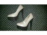High heel shoes, size 5