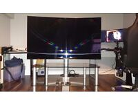 """Samsung 55"""" Curved 3D Floating TV Stand Included"""