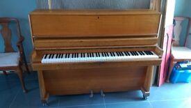 Piano. Free