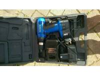 Bluepoint 18v cordless drill 2 Bart's + charger vice working order