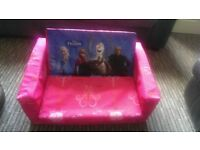 Frozen settee/fold out bed
