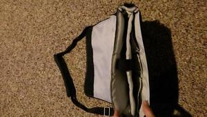 Like new, laptop, Ipad, Tablet protective carry bag London Ontario image 3