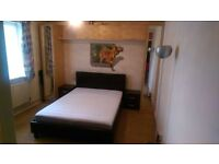to rent double room available for single/couple