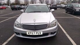 MERCEDES C180 KOMPRESSOR 4 DOOR SALOON WITH SERVICE HISTORY LADY DR OWNER