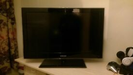 "Samsung 32"" LCD"