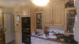 Full Kitchen including granite worktop and appliances! Bargain!
