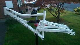 "Decathlon Rockrider FR6 150mm travel full suspension 26"" wheel frame and shock"