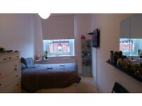 LOVELY DOUBLE ROOM FOR RENT AVAILABLE......