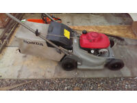 Honda HRB 476c Self Drive Mower