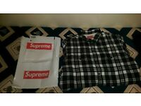 New Supreme 2016 box logo flannel shirt in black. Sold out everywhere. 100% genuine with reciept.