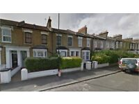 Brockley SE4. *AVAIL NOW* Large, Light & Modern 4 Bed 2 Rec Room Furnished House + Garden nr Station