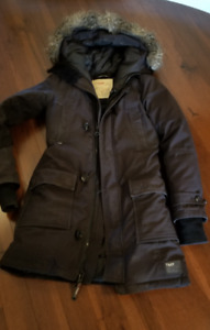 TNA Bancroft parka from Aritzia,  Size small, Black
