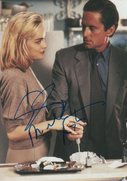 "Basic Instinct ""Michael Douglas & Sharon Stone"" Autogramme signed 20x30 cm Bild"