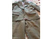 Grey trouser suit 12-14 New. £8